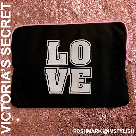 PINK Victoria's Secret Accessories - 🆕 Victoria's Secret Padded Laptop Case PINK